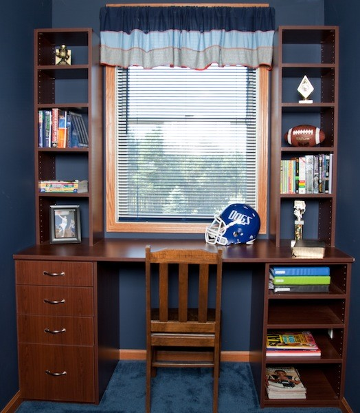 Home office closet room solutions for Unique home solutions job review